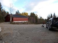 Parkeringsplassen ved vassverket innenfor Fossland