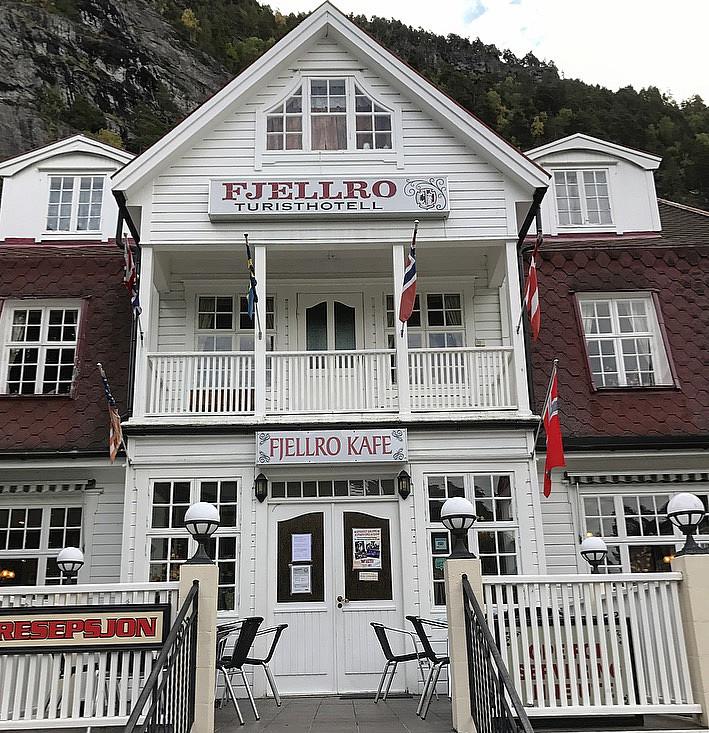 Sjarmerende hotell i Valldal :)